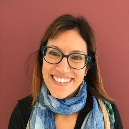 Collaboratrice presso Casa di Cura Villa Bianca (TN) e presso Clinica San Francesco SpA (VR).  Responsabile della terapia del dolore, agopuntura e problemi posturali.