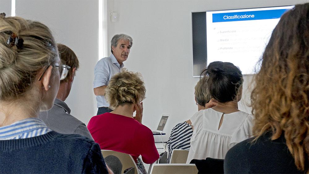 Sabato 26 maggio presso il Centro Medico DEM si è tenuta un workshop sulle tecniche di applicazione dei peeling.